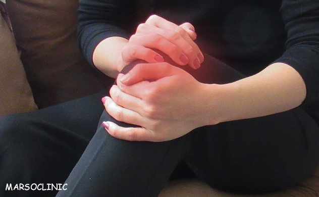 How do i know if my knee pain is serious