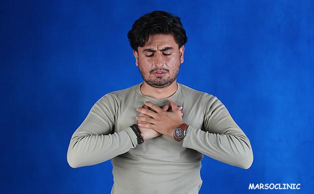 heart pain when breathing deeply left side
